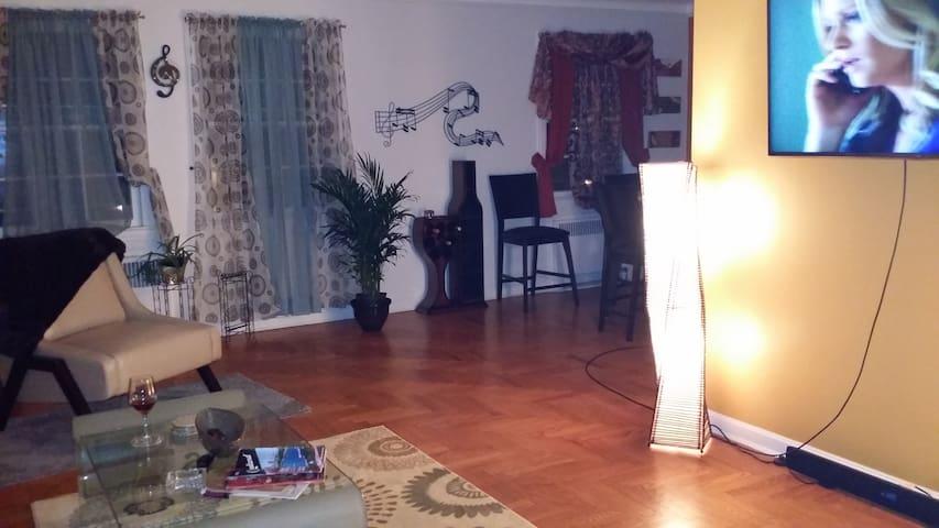Charming Historical cozy condo - Shaker Heights - Apto. en complejo residencial