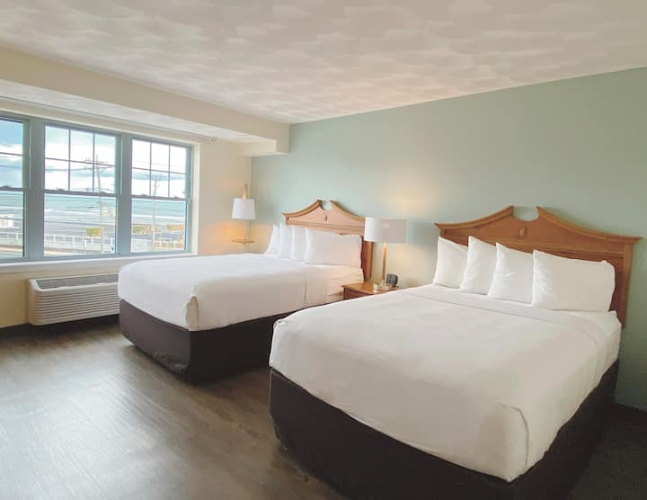 2 beds, Atlantic Beach Hotel Newport