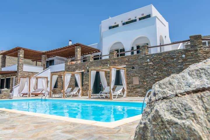 Villa Mileia/ 4 Bedrooms/ Sea-view/ Shared Pool