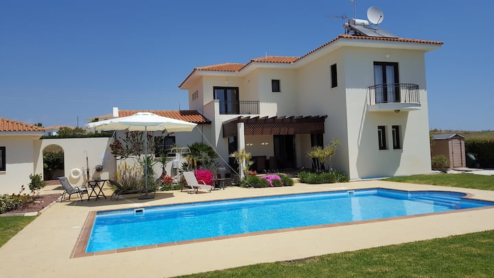 Holiday Villa in Maroni