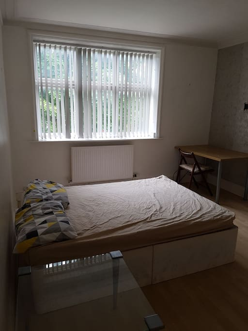 bright clean room great location roundhay ls 8 houses 10699 | cf4da3f4 1c28 4e3d b8ca ca91e96503c4 aki policy x large