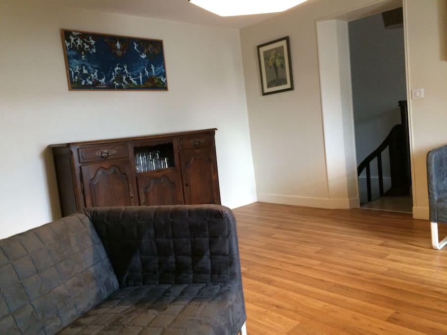 Salon coté escalier