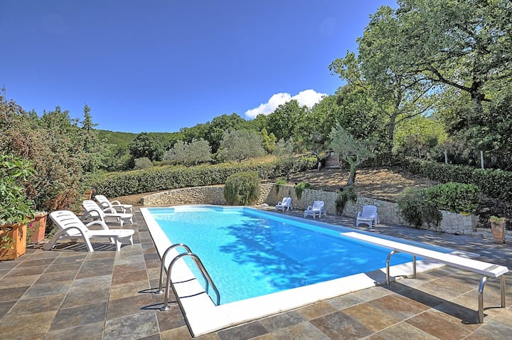 Casale Divino - Holiday Country Villa with private swimming pool in Massa Martana, Umbria