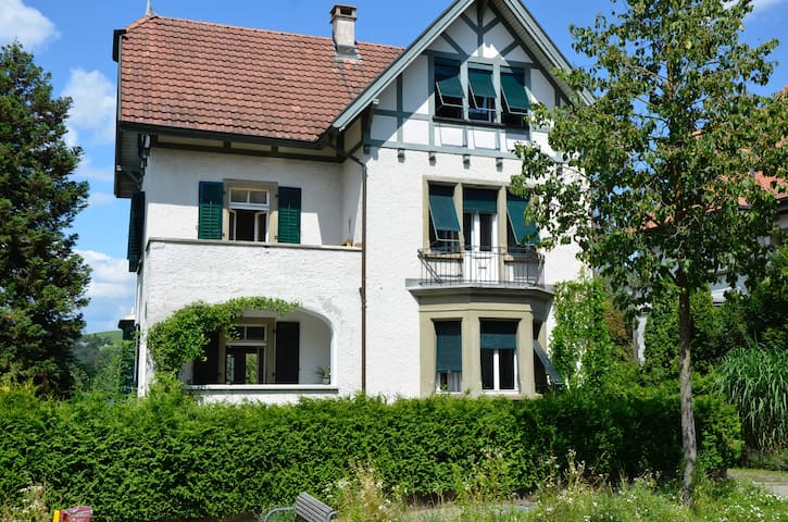 Charming Villa in the heart of Switzerland - Burgdorf - Apartment