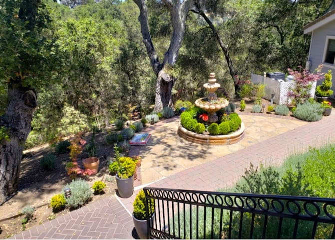 Art Villa in heart of Silicon Valley - Balcony