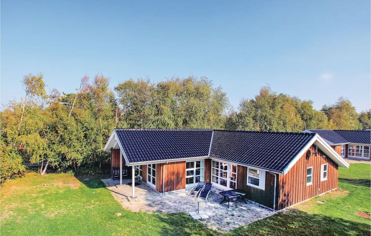 Holiday cottage with 3 bedrooms on 116m² in Gørlev