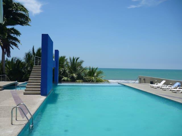 Penthouse (ANTISÍSMICO) Playa Azul 2 - Tonsupa - Appartamento