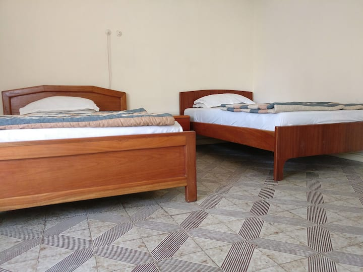 Deluxe Twin Bed in a Private Residence