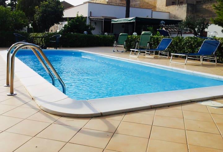 Villa Cytrus con piscina