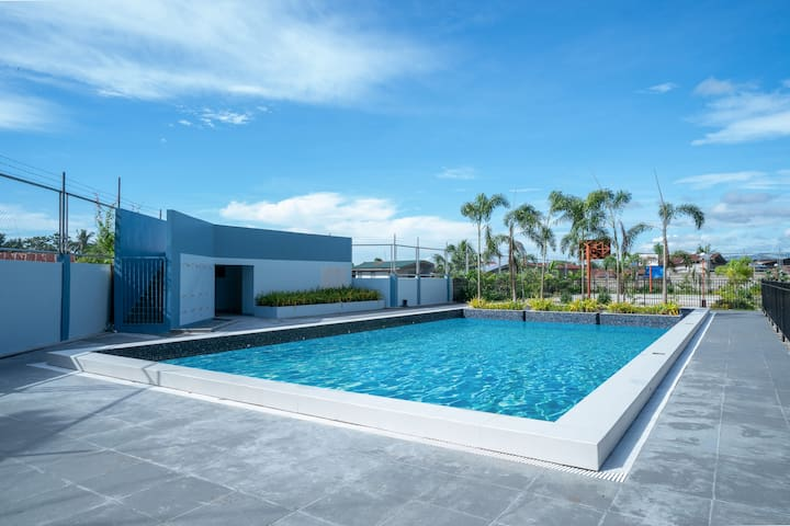 *Brand NEW* outdoor pool & nice oceanview  (18D)
