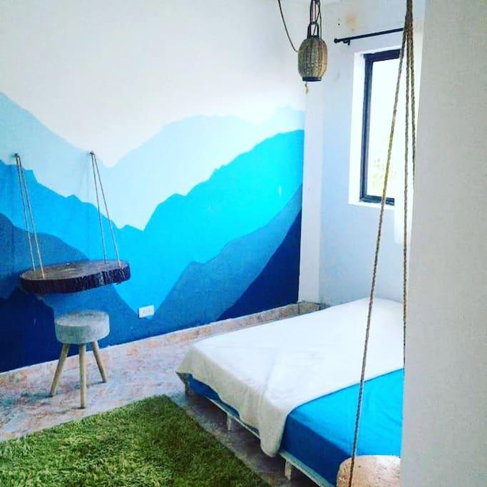 Nature Lovers bedroom overlooking mountains