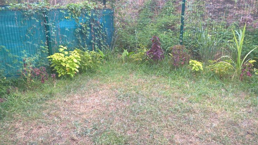 Apt en rez-de jardin en périphérie de Nouméa