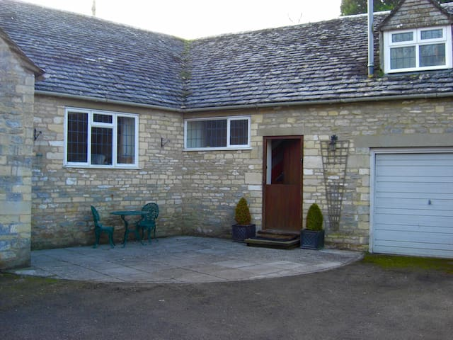Cotswold Flat in the heart of Bibury, Cotswolds - Gloucestershire - Apartemen