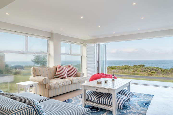 Kleinmond Seafront Family Holiday Home - Kleinmond - Huis