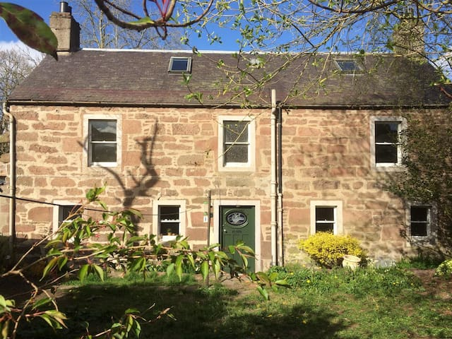 Endrigg - a welcoming and comfortable home - Alyth - Casa