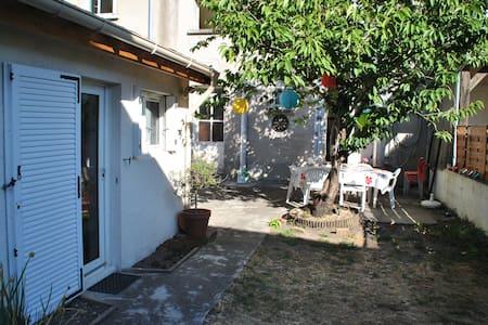 Appartement avec jardin - Tours
