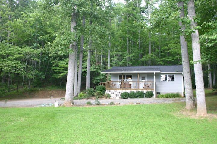 Angel Mountain Cabin in Franklin, NC