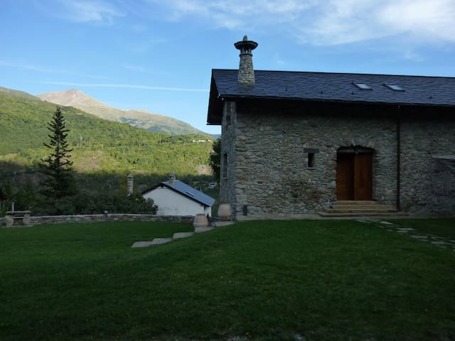 CASA RURAL BORDA BLANER Pyrenees, Aragon, Spain - Villanova - House