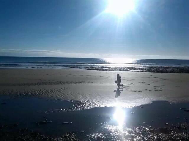 5 minutes stroll to beautiful Ballybranagan Beach.