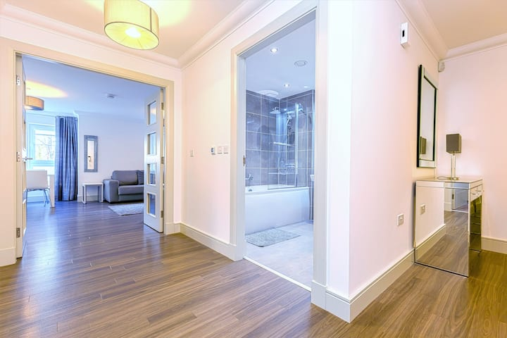 Luxury Apartment & Parking in Central St Andrews
