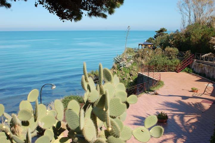 Villino Ginestra: stunning mediterranean sea views - Provincia di Palermo - Vacation home