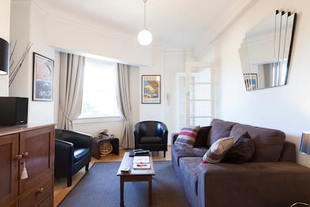 Recently totally renovated. - Potts Point - Apartment