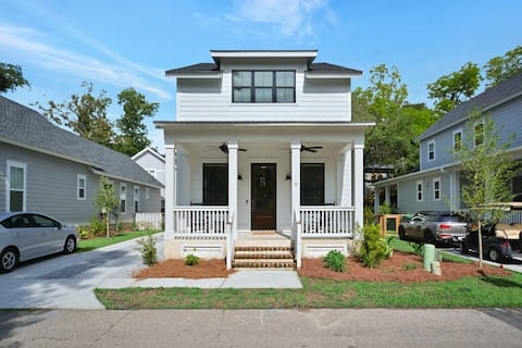 New Home in Old town Bluffton/Promenade . Sleeps 8