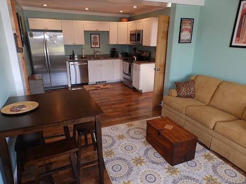 Centrally located Long Lake apartment