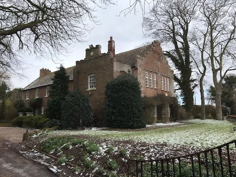 UK WINTER OFFER The Constable Suite