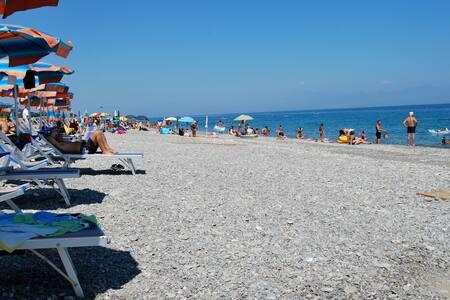 Villetta con giardino tra mare e divertimento! - Rossano