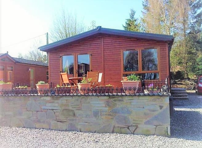The Eagle's Rest - Luxury Lodge - Sleeps 4 - UK