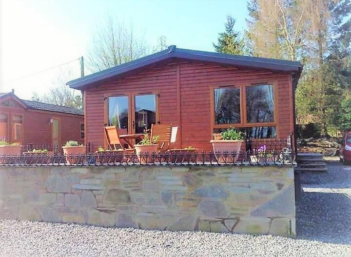 The Eagle's Rest - Luxury Lodge - Sleeps 4 - UK