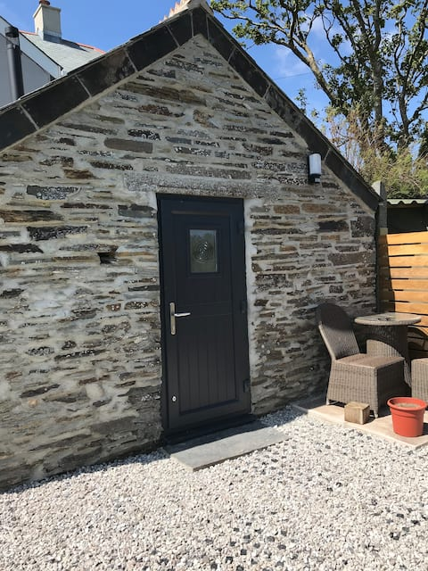 The Pump House, Bossiney, Tintagel, cornwall