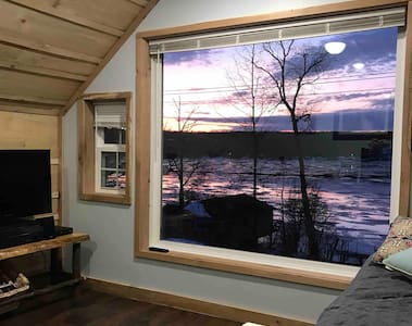 LAKE VIEW loft with lake access in Finger Lakes
