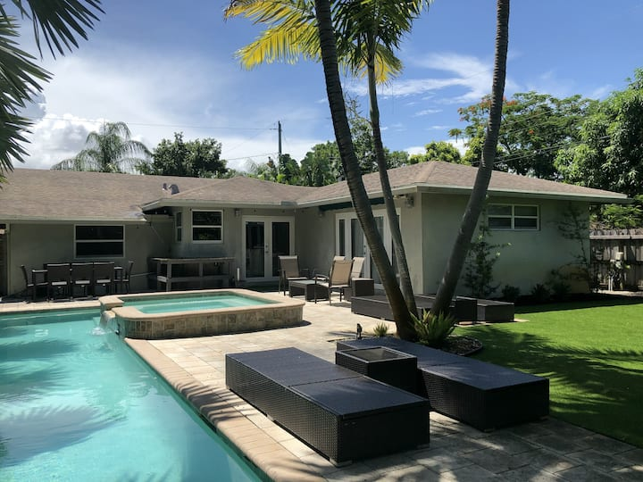 WIlton Manors 3 Bed-Walk everywhere on Wilton Dr.