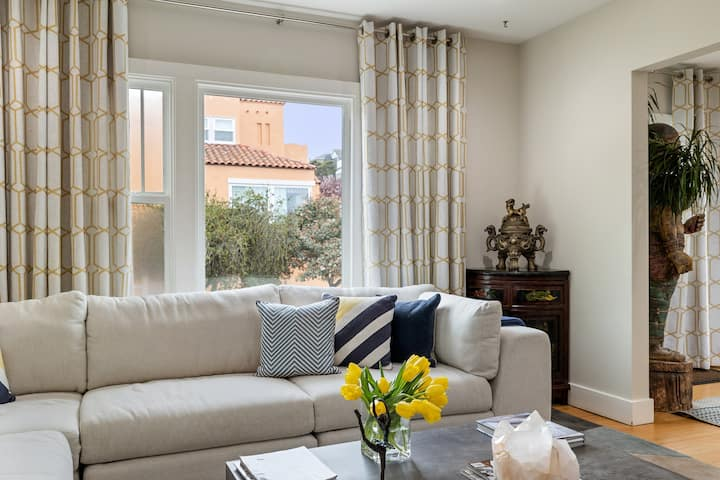 Classical 2 Bedroom 2 Bath Apartment with SF VIEWS