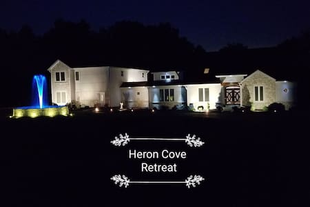 Heron River Cove Zen Treetop Private Wing 2bd2b