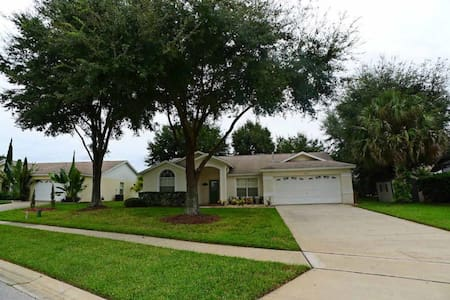 Greater Groves 4/3 pool home property, fully furnished, with full kitchen, and all linens and towels - CLERMONT - Casa