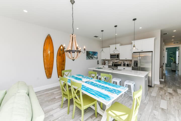 BRAND NEW HOME Fins Up (2 BR/2.5 BA) w/Pool