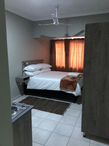 @ 92 Westbourne Road Guest Suites