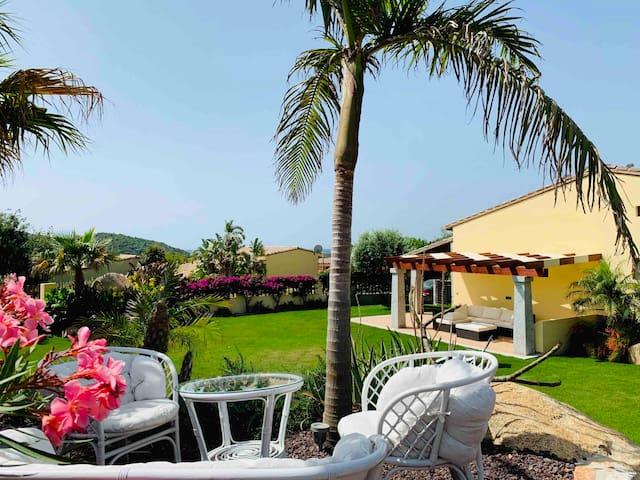 Indipendente Villa with garden