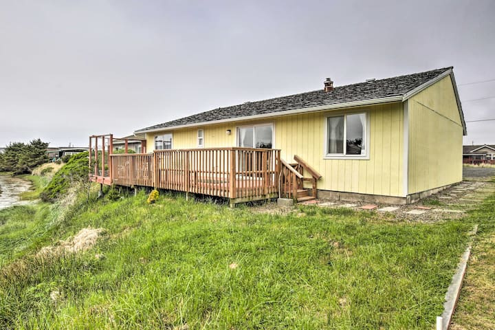 NEW! Shore Delight: Waldport Home w/ Deck on Canal