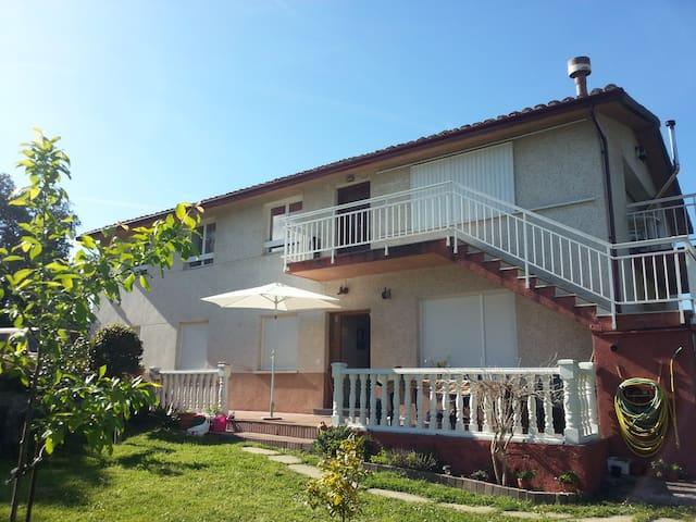 ALQUILER CASA, PERIODO VACACIONAL - Noja - Huis