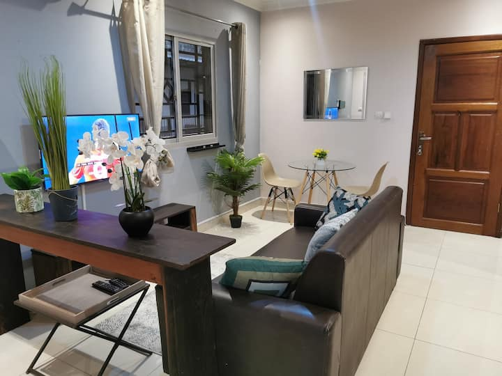 Clean apartment in Gombe, Walk to main boulevard!