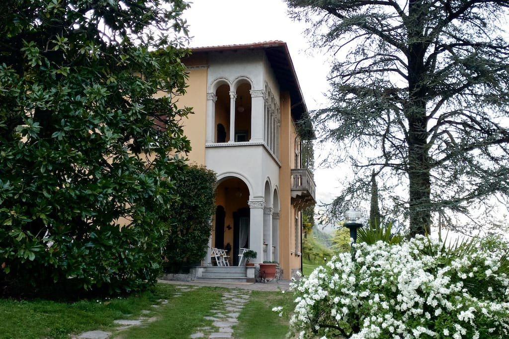 Front view of Villa Ucci