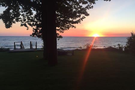 Sunset Beach #4 - Muskegon - Blockhütte