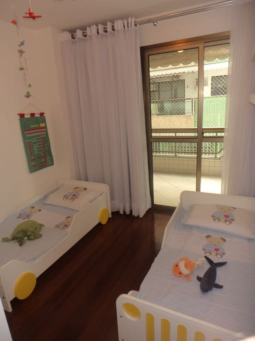 Room with 02 beds , air conditioning and access to balcony