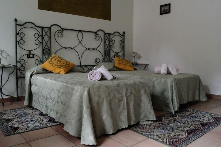Moscato Bedroom