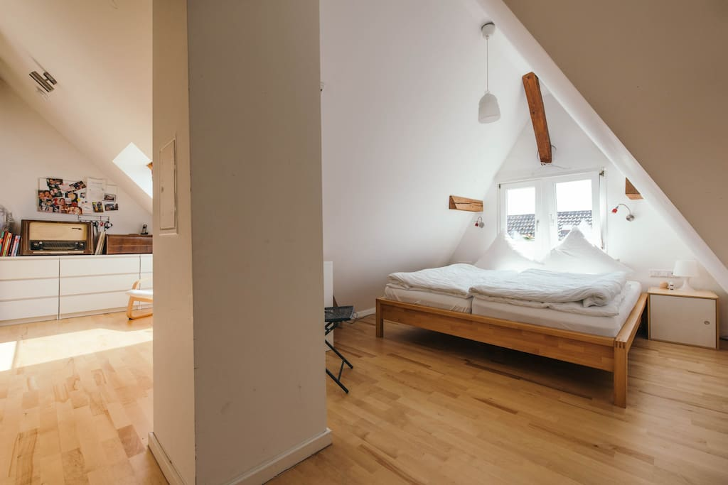 villa gl cklich sonnige wohnung mit gro em balkon wohnungen zur miete in konstanz bw deutschland. Black Bedroom Furniture Sets. Home Design Ideas