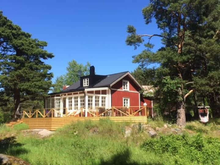 Villa i skärgårdsbyn Svartnö